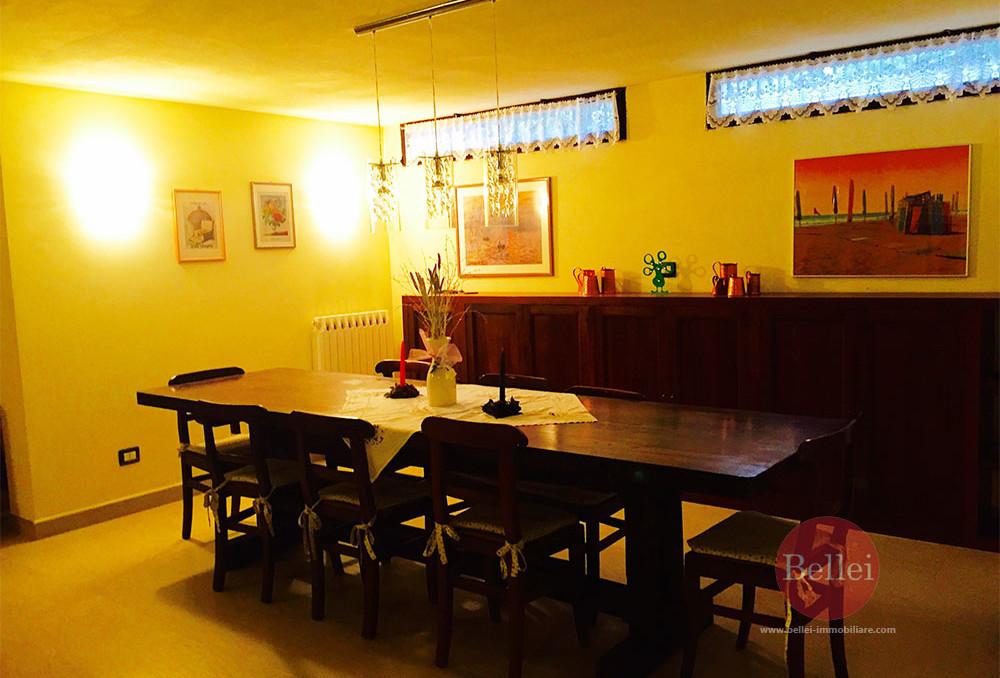 Appartamento ampio e curato in contesto discreto e prestigioso a Sassuolo