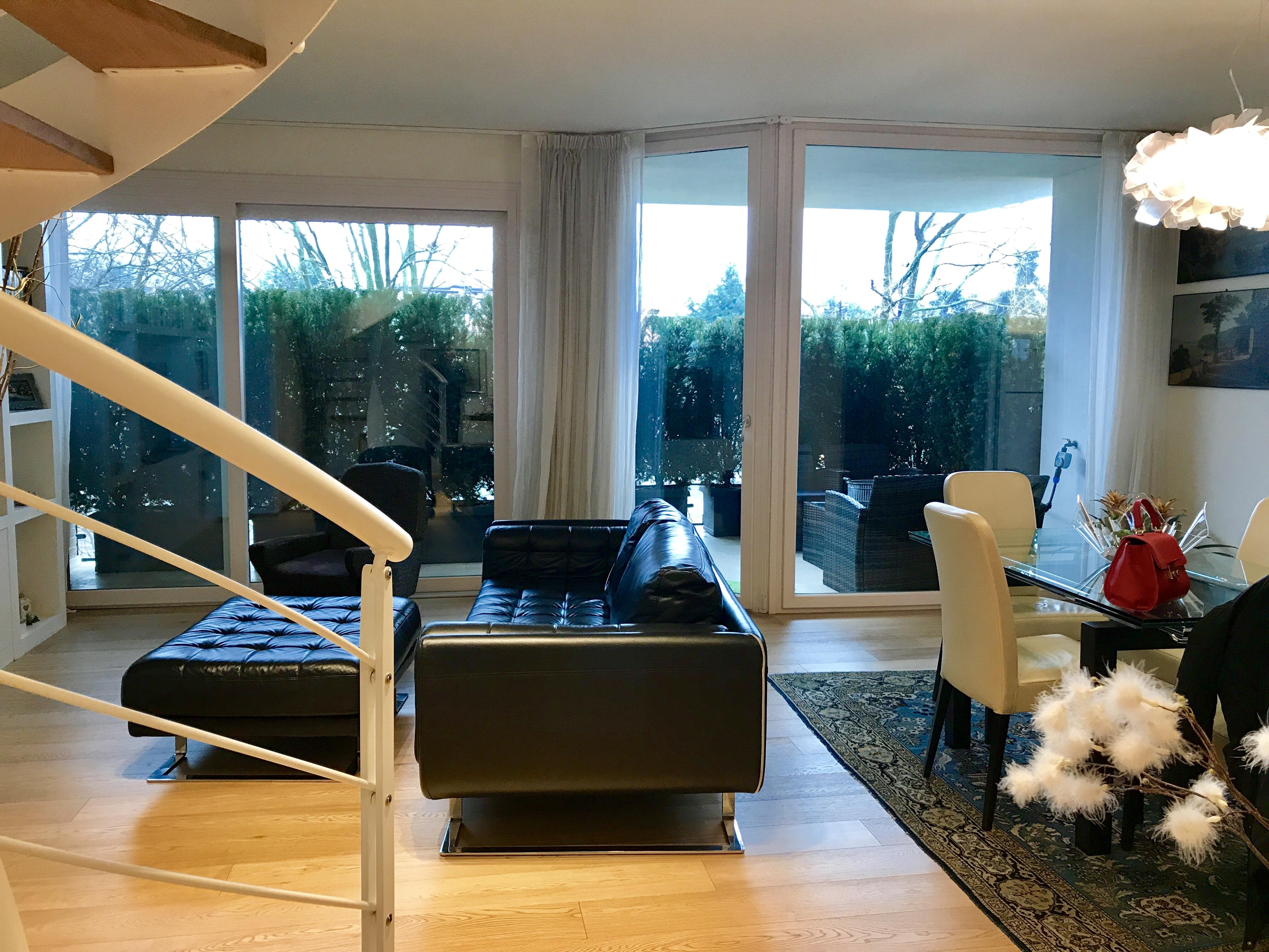 Bellissimo attico su due livelli con il terrazzo bellei for Seminterrato su due livelli