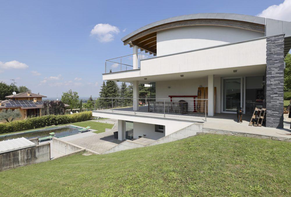 Magnifica Villa – loft con piscina ai piedi della collina