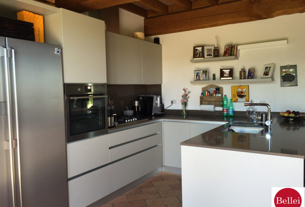 Magnificent Rustic Restored inserted in the Natural Park of the Sauces of Nirano
